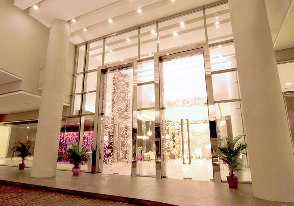 large.Entrance-Lobby.jpg.220010a0d21670f